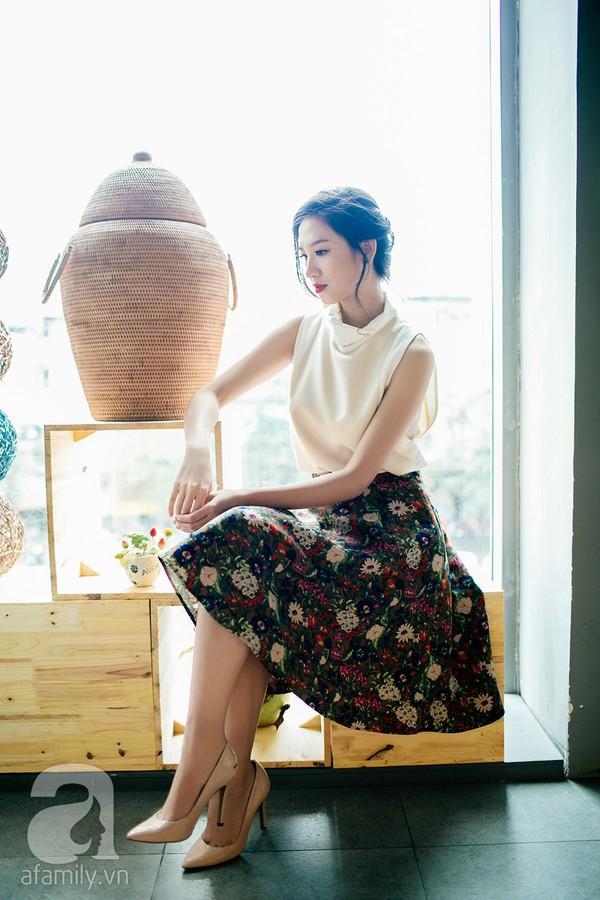 Cả tuần mặc đẹp với chân váy công sở tôn dáng, thanh lịch 11