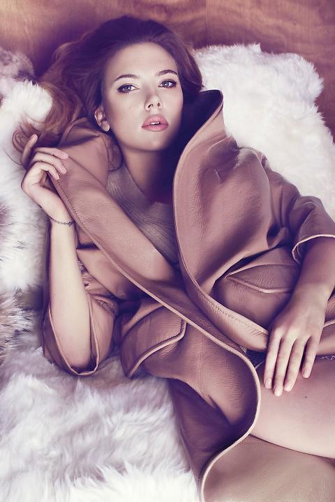 Scarlett Johansson đẹp đến ngỡ ngàng