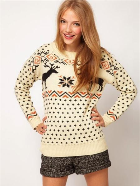 5-Holiday-Sweater-9909-1385973161.jpg
