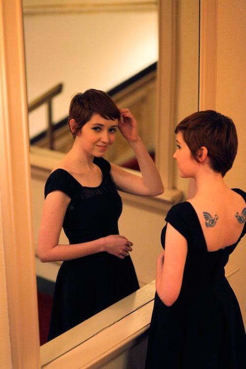 Ngắm bản sao Audrey Hepburn trên phố