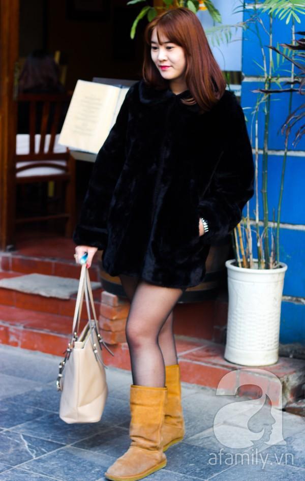 Áo khoác dáng dài tràn ngập street style phái đẹp Hà Thành 3