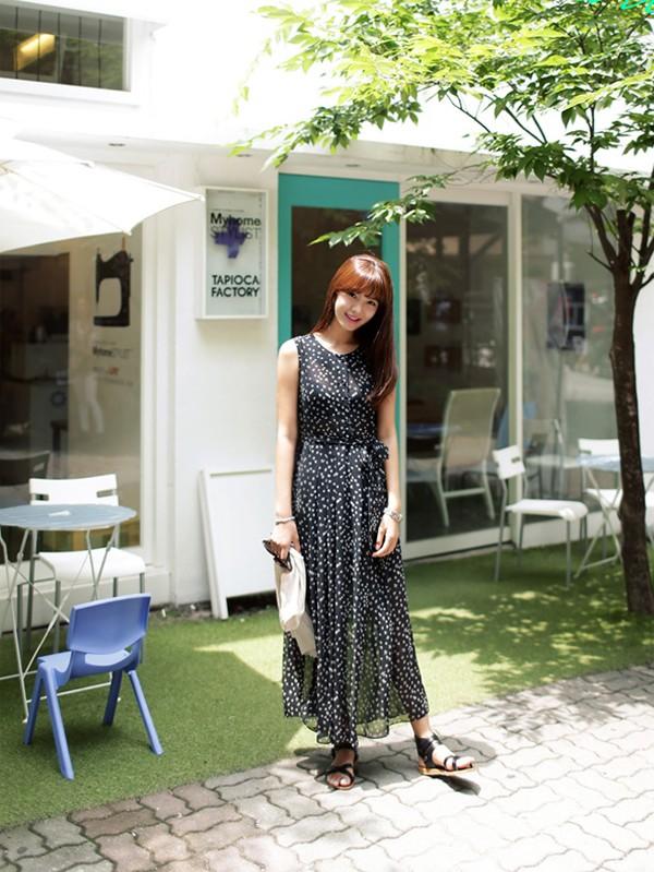 Tips mặc váy ngày nắng nóng cho những cô nàng... chân cong 10