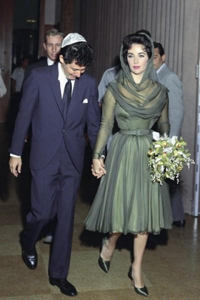 10 chiếc váy cưới