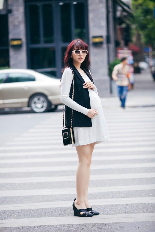 Mặc đồ công sở ấm áp và thời trang cho bà bầu xinh đẹp 20