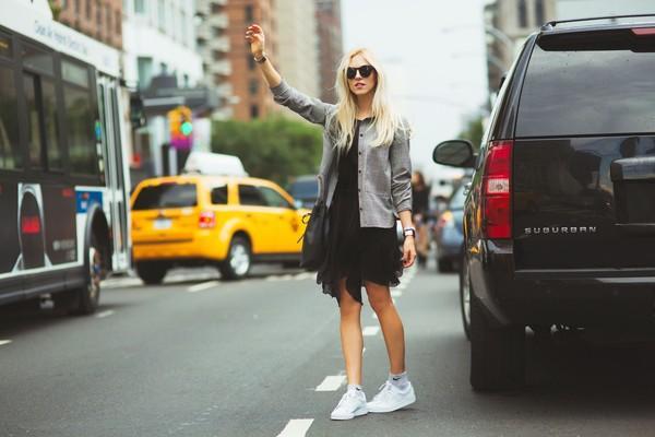 Sneaker trắng - đôi giày bạn phải có mùa đông này 4