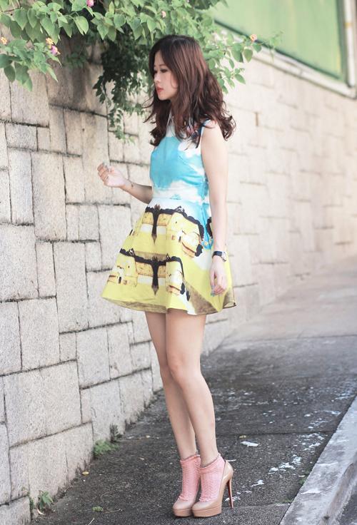 Blogger Hong Kong phối giày tất 'siêu đẳng'