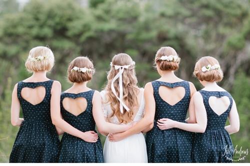 7 gợi ý váy phù dâu thời trang và nhã nhặn 6
