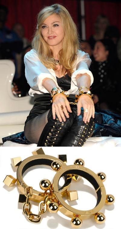 Vòng tay kim loại đúc cho guu thời trang cá tính
