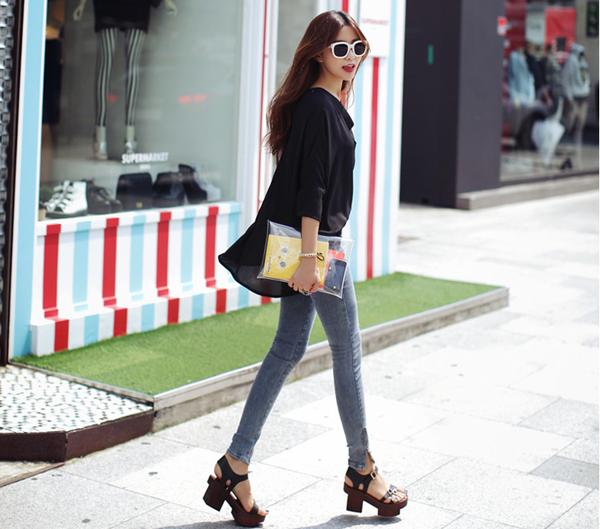 Cách chọn và kết hợp quần jeans với giày hợp từng dáng chân 8