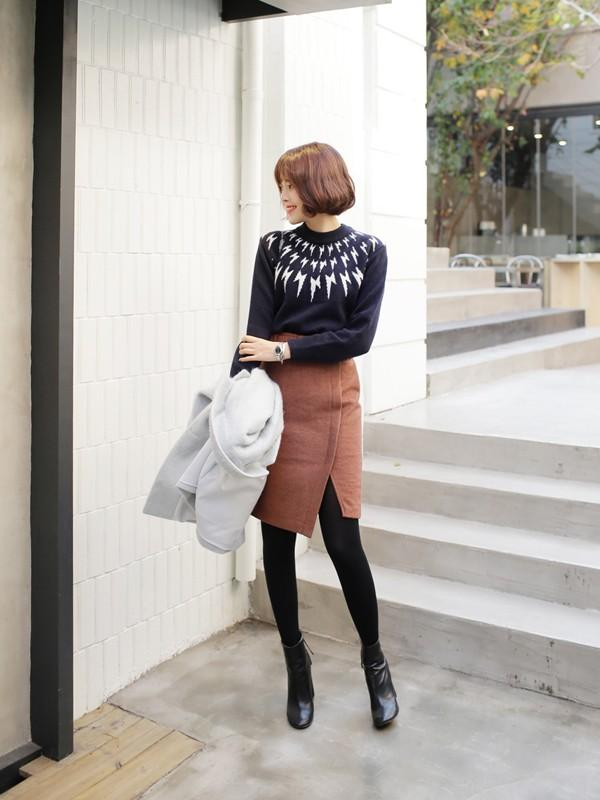 Tư vấn cách chọn và mặc áo len thật chuẩn cho nàng siêu gầy 8
