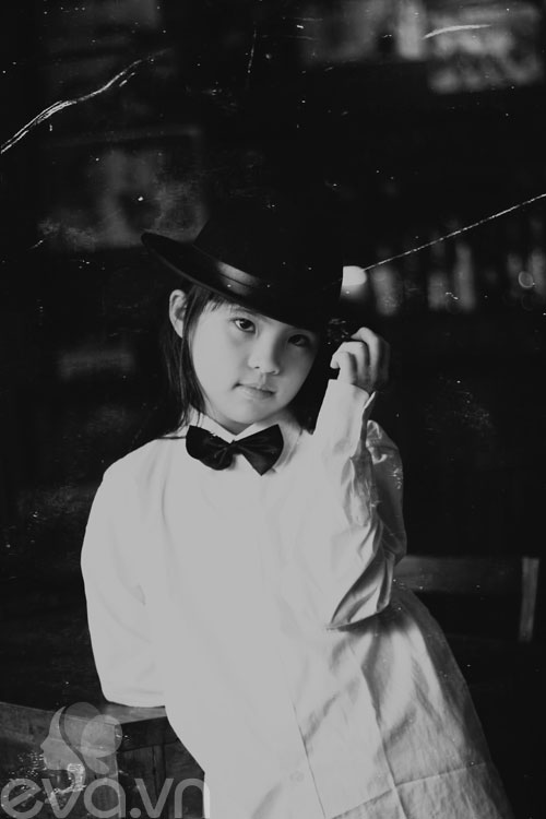 Cô bé lớp 7 có hình trên tạp chí Vogue Ý - 10