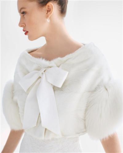 Ấm áp mà vẫn đẹp lộng lẫy với áo khoác cưới mùa đông 2013 3
