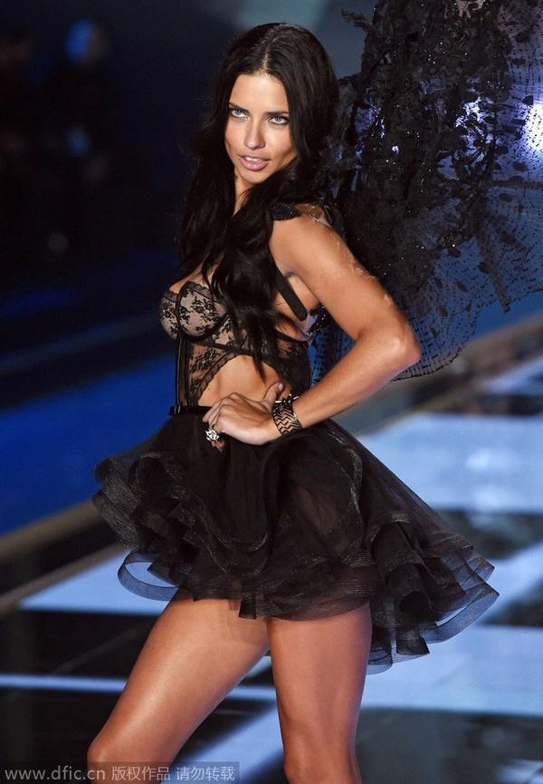 """HOT: Những hình ảnh """"nóng"""" nhất về Victoria's Secret Fashion Show 2014 26"""