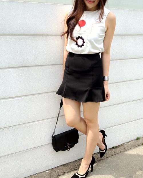 5 cách mặc đẹp cùng chân váy hoa loa kèn