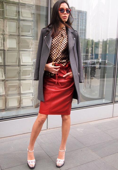 Cách chọn mua áo khoác dạ suông cho phụ nữ thấp bé