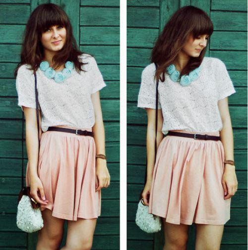 """Bạn sẽ trở thành cô nàng """"kẹo ngọt"""" của mùa Xuân với set đồ đơn giản và tinh tế này."""