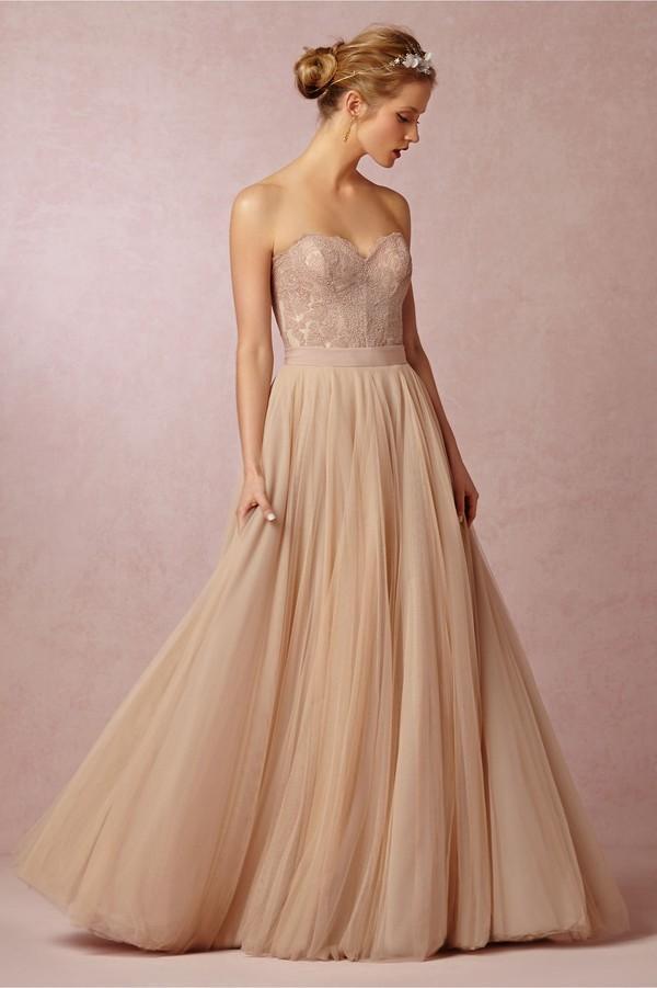 Những mẫu váy cưới tuyệt đẹp không mang tone trắng truyền thống 11