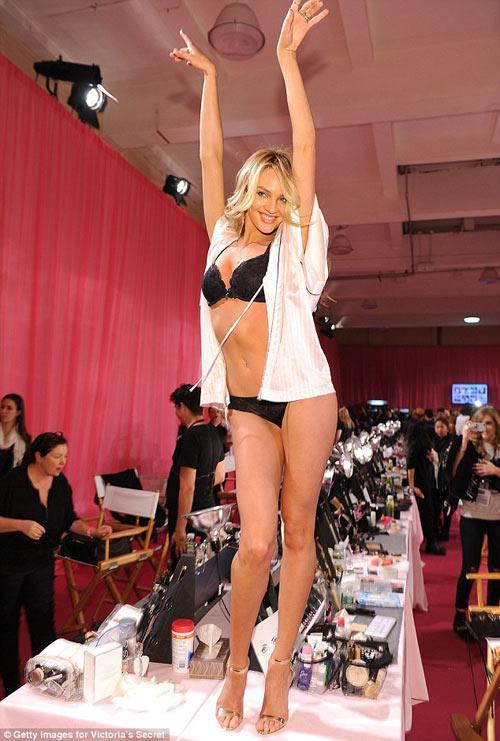 Đột nhập hậu trường Victoria's Secret show