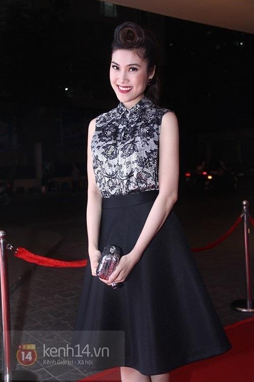 Dirndl skirt - xu hướng váy hoàn hảo cho phái đẹp công sở
