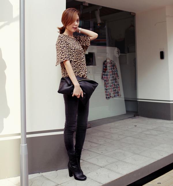 Cách chọn và kết hợp quần jeans với giày hợp từng dáng chân 18