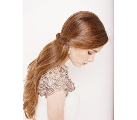 Kết quả hình ảnh cho Kiểu tóc buộc nửa sau đầu