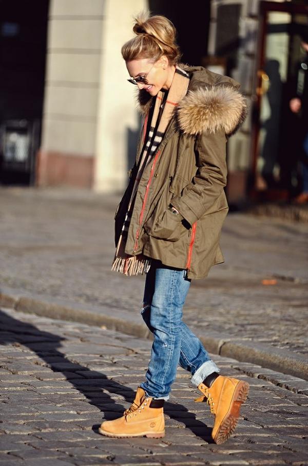 10 bí quyết mặc trẻ trung mà không bị 'lố'