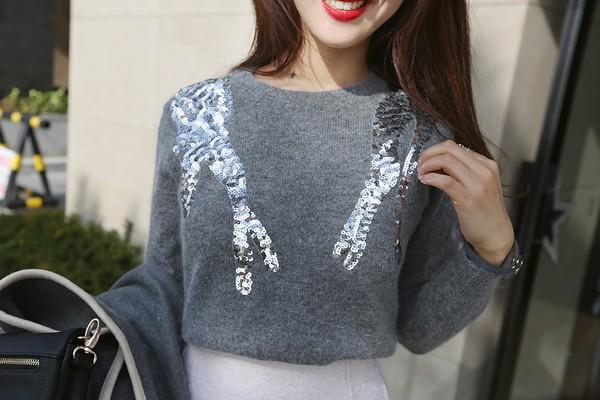 Tư vấn cách chọn và mặc áo len thật chuẩn cho nàng siêu gầy 9