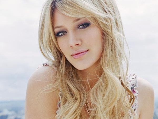 """Hilary Duff: Những """"chiêu thức"""" cho vẻ đẹp ngọt ngào"""