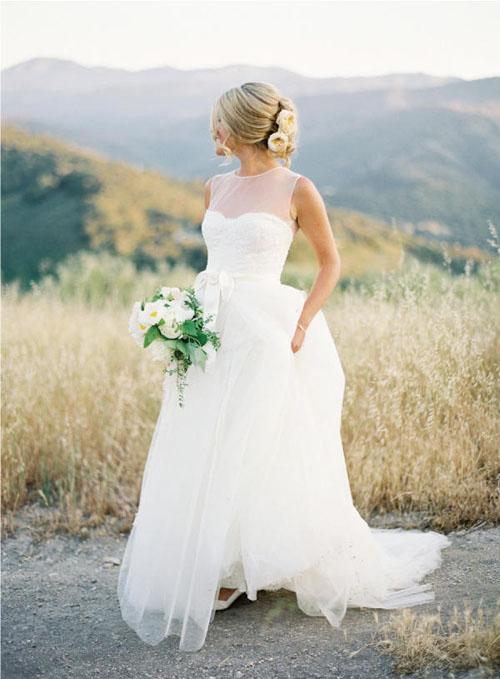10 mẫu váy cưới đẹp cho nàng bầu - 2