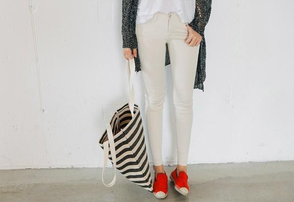 4 cách mix đồ đẹp với quần & giày slip-on khiến bạn trông sành điệu nhất
