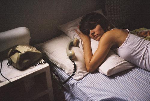 8 lý do các bạn gái không nên gọi cho người yêu cũ