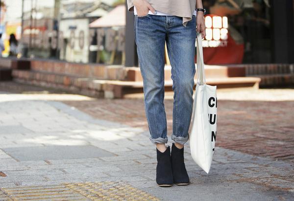 Cách chọn và kết hợp quần jeans với giày hợp từng dáng chân 19