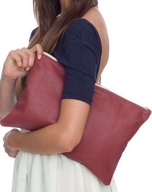 Đoán tính cách qua cách đeo túi của nàng