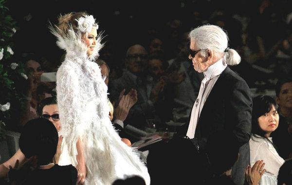 Haute Couture = hội chợ phù hoa