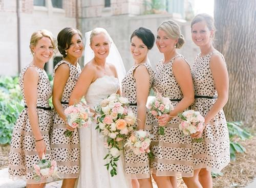 7 gợi ý váy phù dâu thời trang và nhã nhặn 10