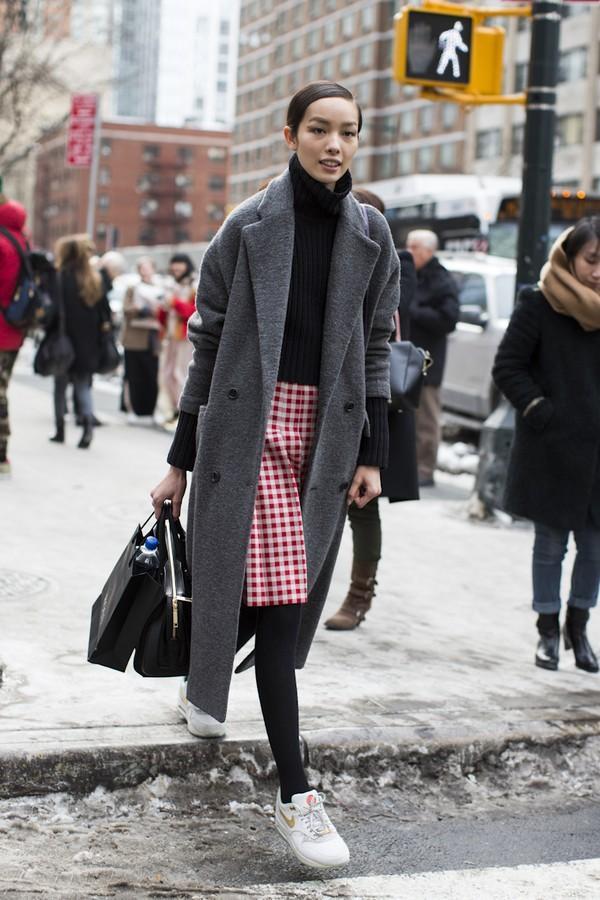 Sneaker trắng - đôi giày bạn phải có mùa đông này 8