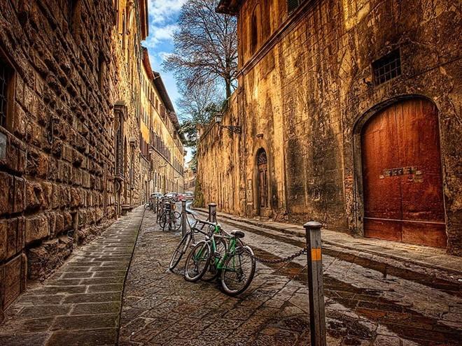 Vẻ đẹp mê hồn của 10 thành phố du lịch hàng đầu châu Âu 1