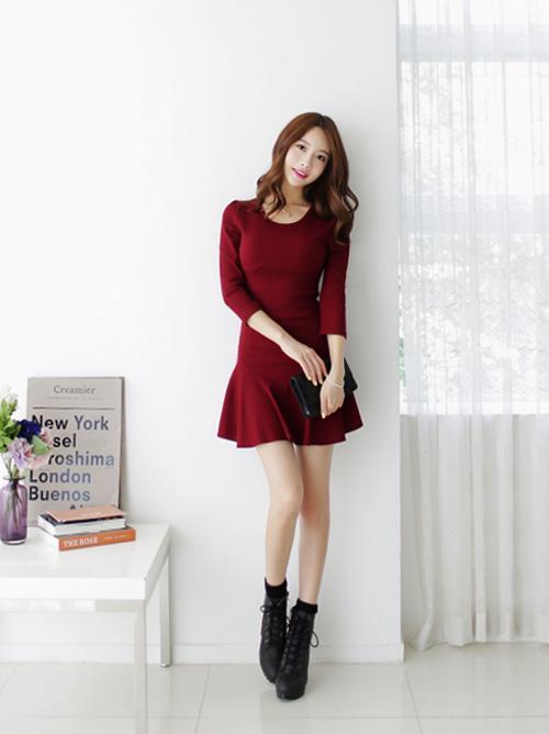 Những kiểu váy liền hoàn hảo cho mùa thu