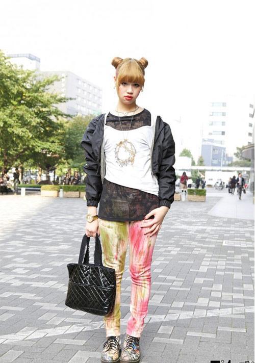 Bạn trẻ Nhật biến hóa cùng đồ jean