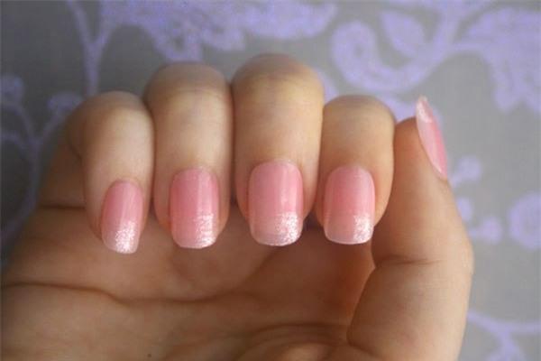 nail hồng nhạt, nail màu nude