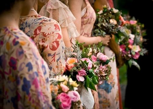 7 gợi ý váy phù dâu thời trang và nhã nhặn 24