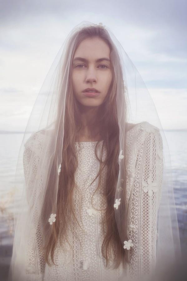 Xu hướng váy cưới dài tay cho mùa đông lạnh giá 11