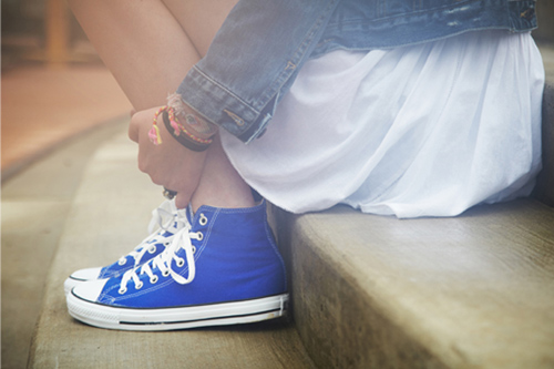 Chút phá cách với Converse và váy ngắn - 4