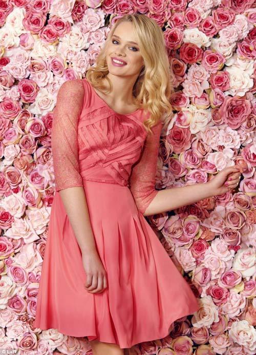 Sắc hồng dịu dàng đánh thức thời trang Xuân hè
