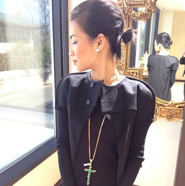 NTK gốc Việt Nini Nguyen - từ lao công trở thành stylist riêng của Rihanna 31