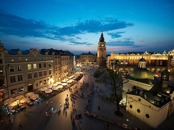 Vẻ đẹp mê hồn của 10 thành phố du lịch hàng đầu châu Âu 9