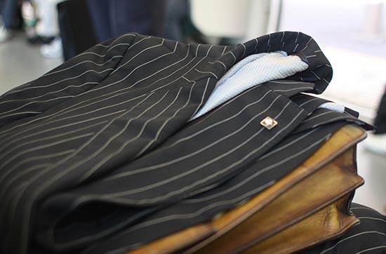 Mẹo bảo quản trang phục khi đi công tác