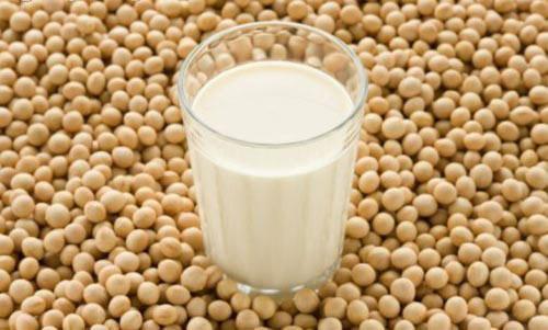 Làm đẹp từ đầu đến chân bằng sữa đậu nành
