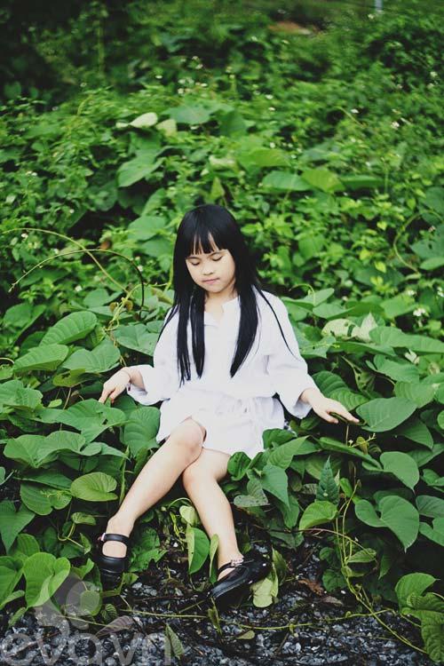 Cô bé lớp 7 có hình trên tạp chí Vogue Ý - 15