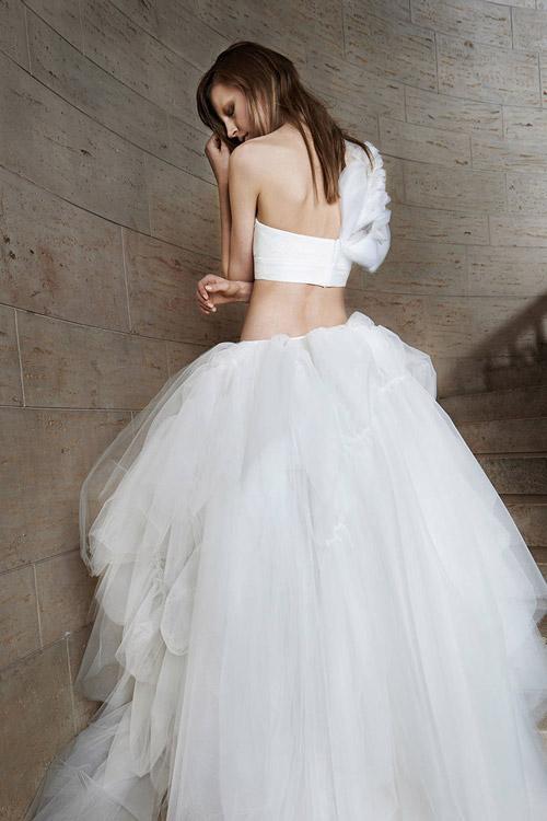 11 mẫu váy cưới thanh lịch khó lỗi mốt - 2